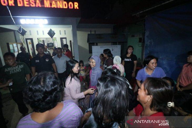 Satu tewas, ratusan KK mengungsi karena banjir di Mandor