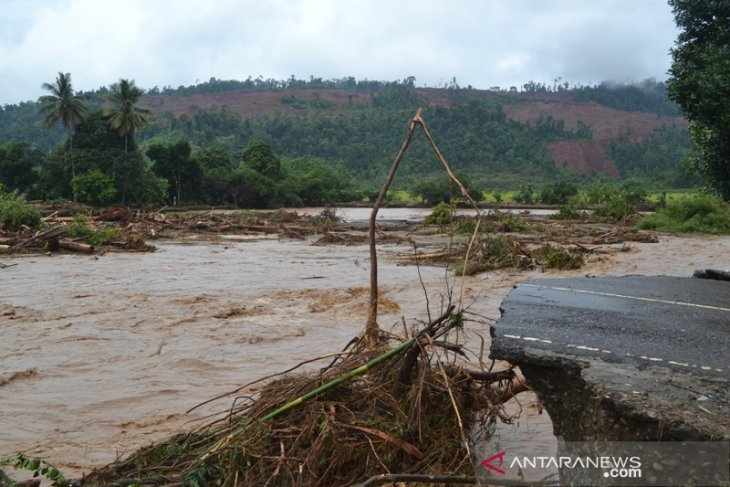 Four bridges destroyed, houses damaged in flooding in Morowali