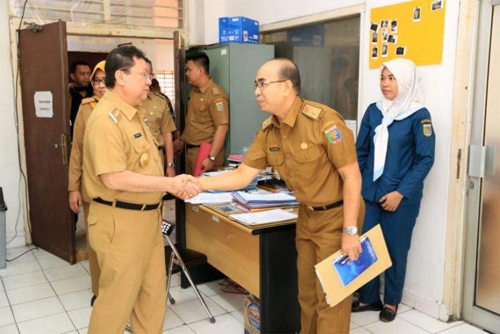 Pj. Gubernur Lampung Boytenjuri Sidak ke Sejumlah Instansi Pelayanan Publik