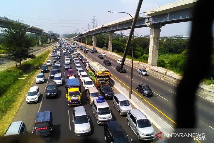 Sebanyak 720 ribu kendaraan kembali ke Jakarta hingga H+3 Lebaran
