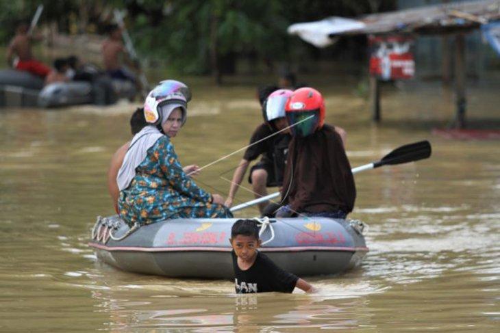 Banjir bandang di Kendari