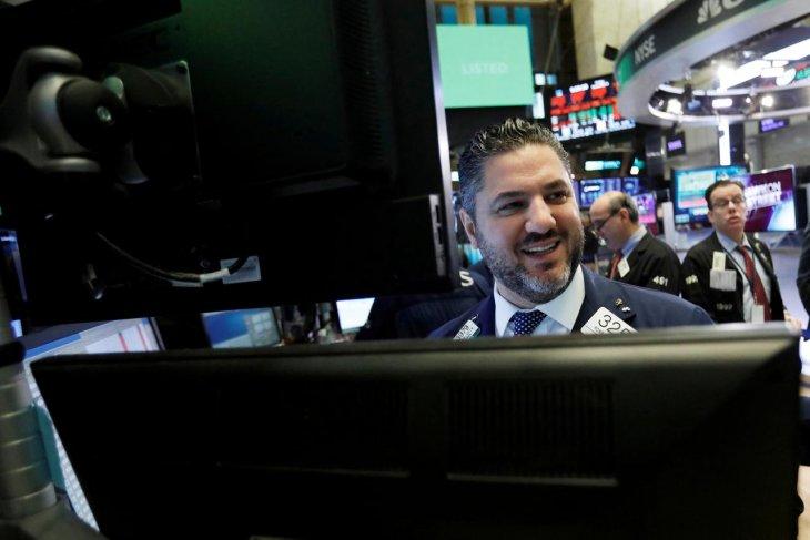 Data tenaga kerja AS terbaru dorong Wall Street ke hari terbaik sejak Agustus