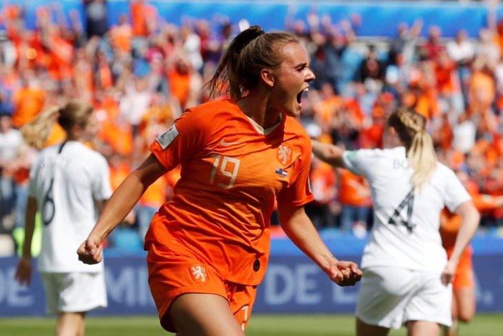 Gol pemain pengganti Jill Roord  bantu Belanda atasi Selandia Baru
