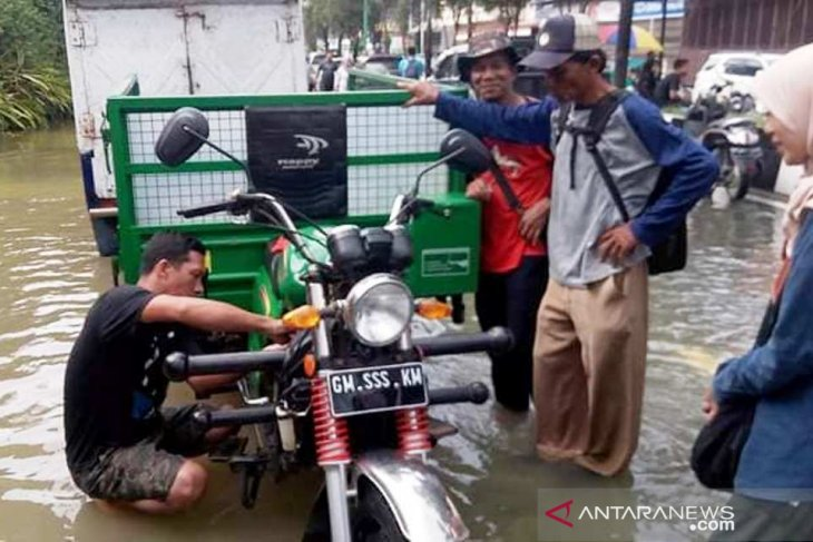 Flooding in Samarinda impacts lives of 20 thousand people