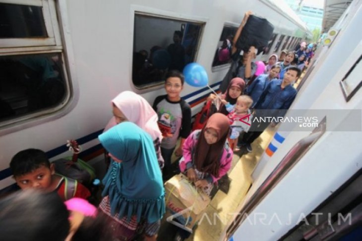 KAI Daop Surabaya beri potongan harga tiket