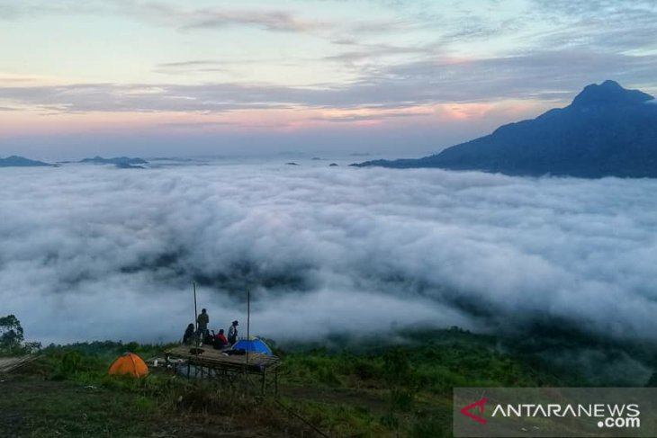 Pesona Bukit Sepancong Bengkayang tarik wisatawan
