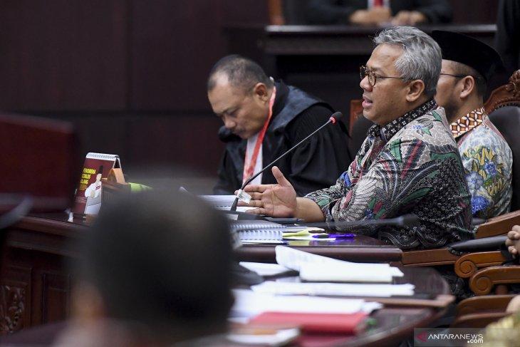 KPU menolak materi gugatan  Prabowo-Sandiaga