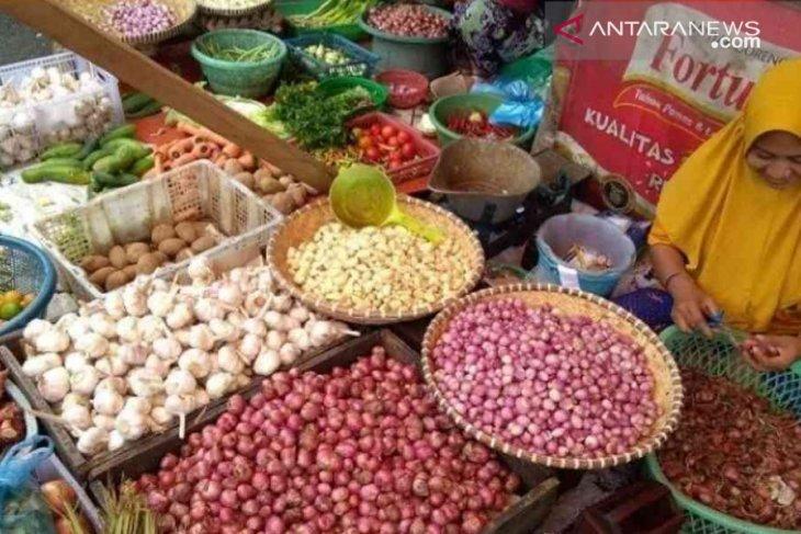 Stabilkan harga, Disperindag Bekasi sidak pasar usai Lebaran