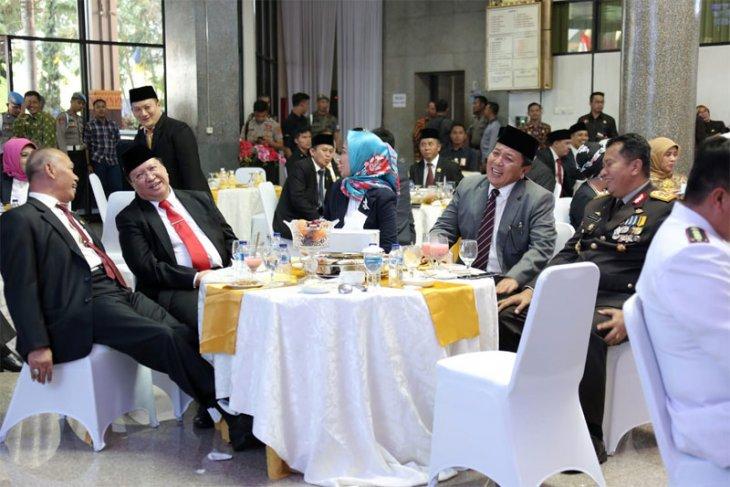 Gubernur Arinal dan Wagub Chusnunia Ramah Tamah dengan DPRD Lampung