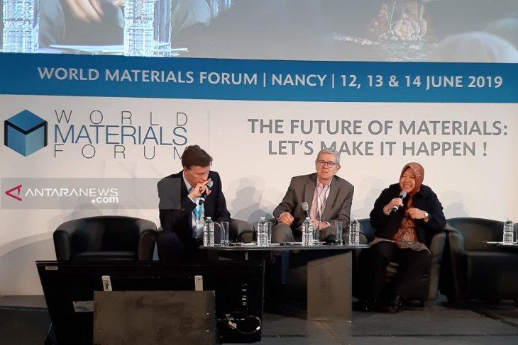 Surabaya Mayor talks about waste management in France