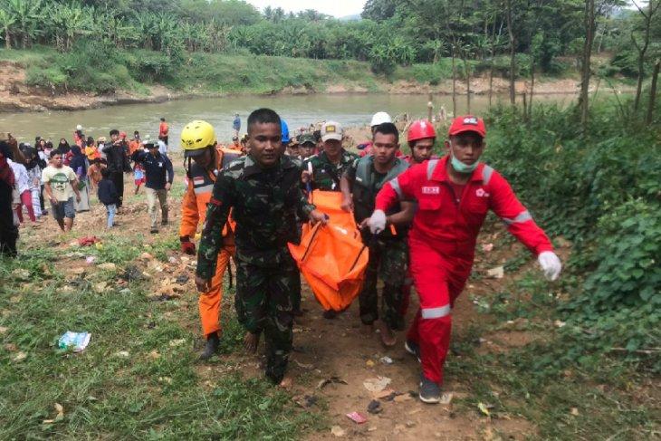 Petugas gabungan temukan seorang anak tewas tenggelam di Sungai Citanduy Kota Banjar