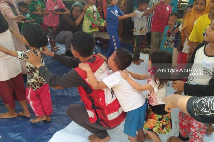 PMI bantu mengembalikan keceriaan anak korban bencana banjir Konawe