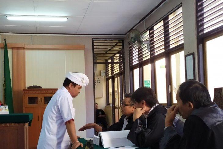 Mantan Ketua Kadin Bali diadili