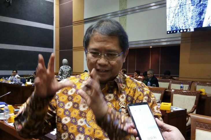 Minister points to reduction in number of URLs spreading hoax