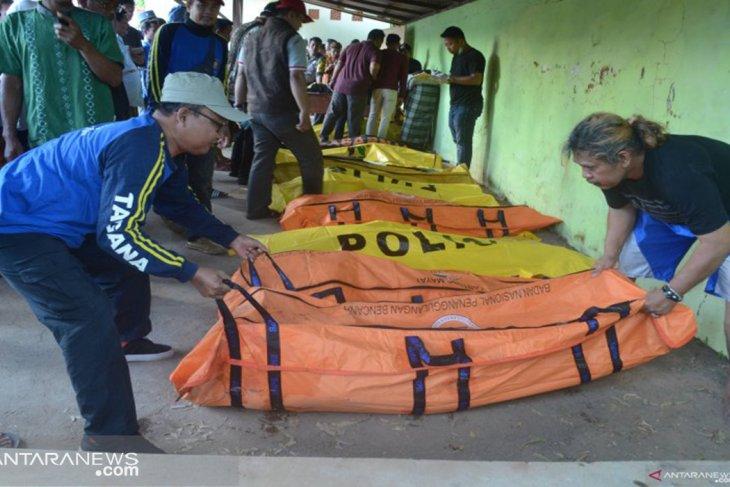 17 dead, four missing as Arim Jaya ferry sinks in Madura waters
