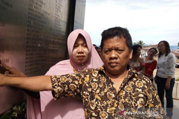 Orang tua korban hilang kapal tenggelam anggap Tigaras rumah kedua