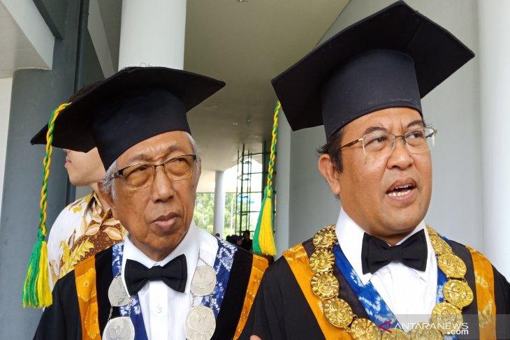 Tambah 5 guru besar, ULM memiliki 49 profesor