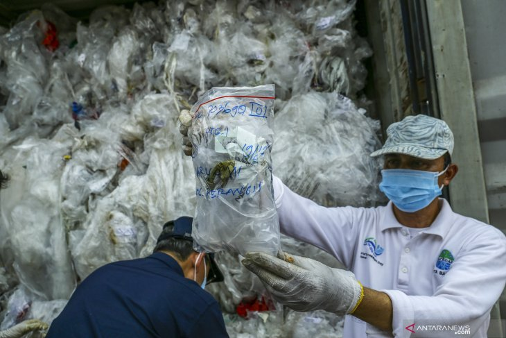 Indonesia takes firm stand on saying no to foreign rubbish