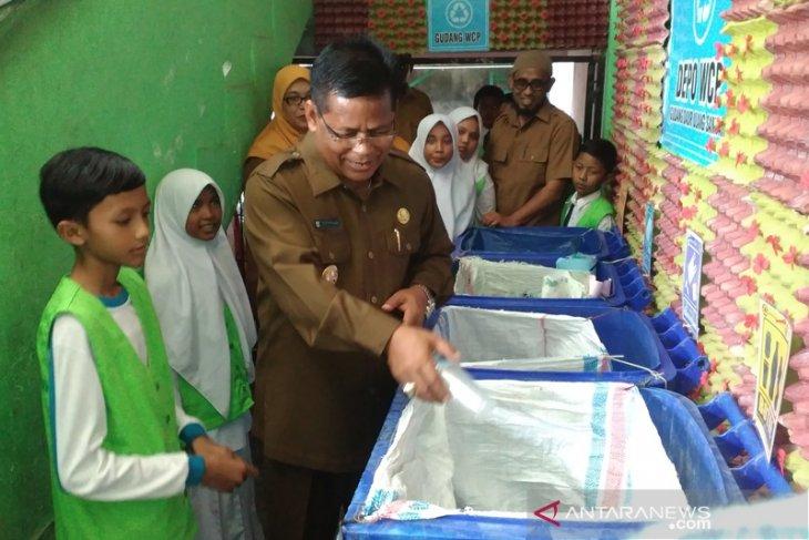 Di Banda Aceh sampah plastik sampai 12 ton per hari