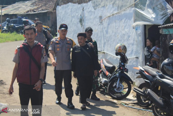 Polres Sukabumi Kota beri bantuan pembangunan tiga rumah korban kebakaran