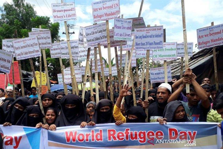 Indonesia, UN envoy discuss safe Rohinga repatriation