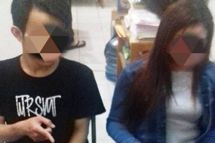 Polisi tangkap  suami istri pengedar sabu-sabu di Sampit, Kalteng