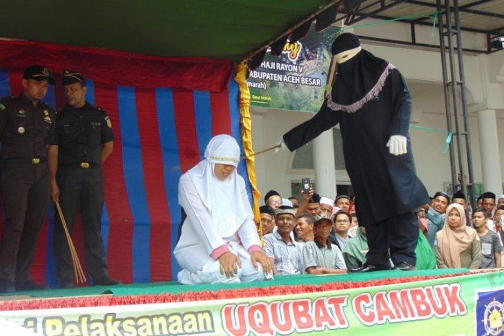 Tiga pelanggar syariat Islam dicambuk 285 kali