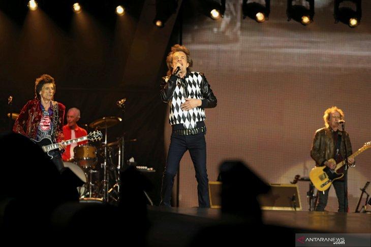 Mick Jagger manggung lagi usai operasi jantung