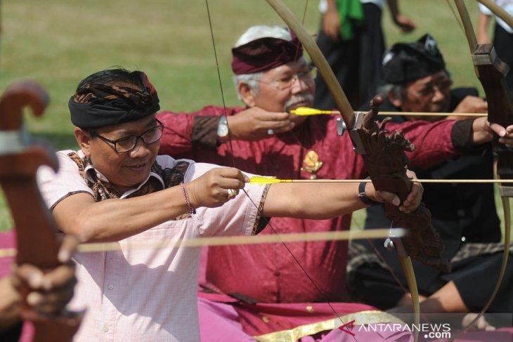 Ratusan pemanah ikuti lomba panahan tradisional