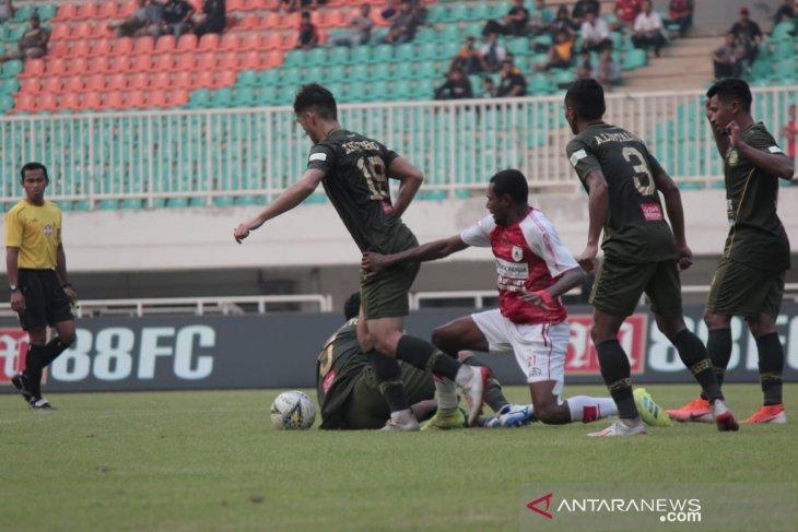 PS Tira Persikabo unggul 2-1 dari Persipura Jayapura