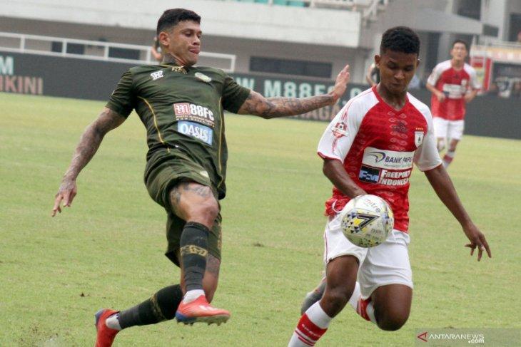 Pelatih Tira Persikabo menyebut Ciro Alves masih perlu berdaptasi