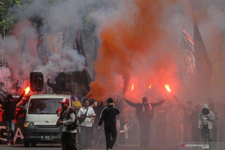 Gubernur Riau diperiksa terkait hinaan dari fans PSPS