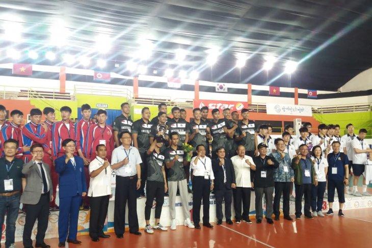 Tim bola voli putra Indonesia juara Asian Peace Cup
