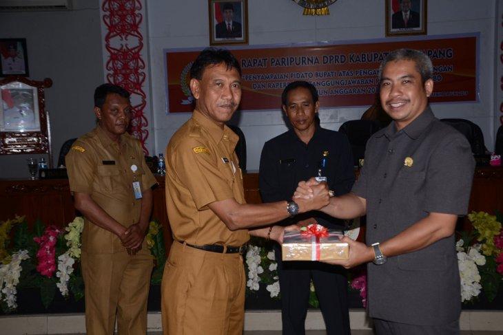 Bupati Ketapang sampaikan nota pengantar Raperda APBD 2018