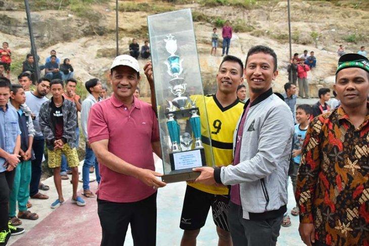 Wabup Firdaus tutup Turnamen Volley Ball Musara Cup Ke- 26