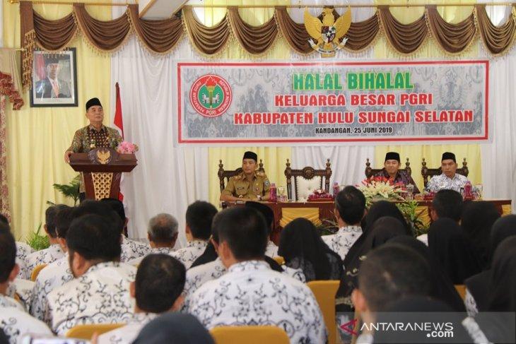 Achmad Fikry ajak PGRI perjuangkan anggota masih honor