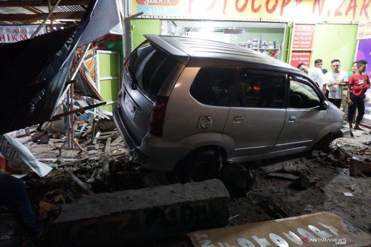 Mobil tabrak minimarket di Kelapa Dua akibat Pedal gas tersangku