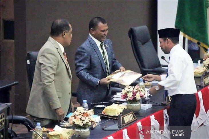 25 anggota DPRD SBT dilantik 26 September