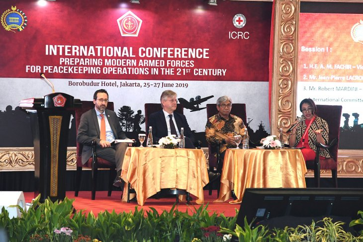 Representatives from 28 states discuss issues in modern-day