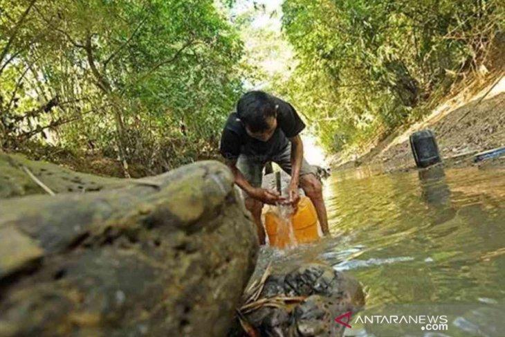 Three villages in Bekasi, West Java, reel under drought