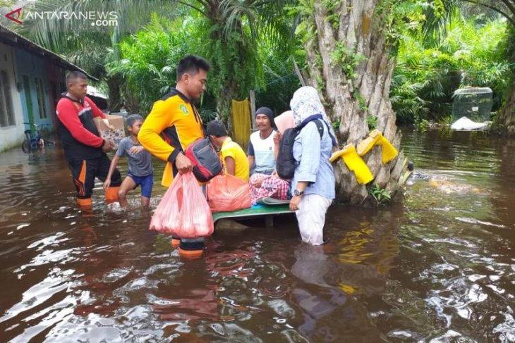 Hujan deras akibatkan banjir di sebagian wilayah Penajam