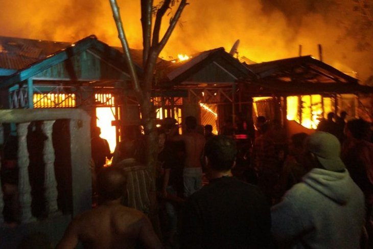 Fire ravages six houses in Aceh