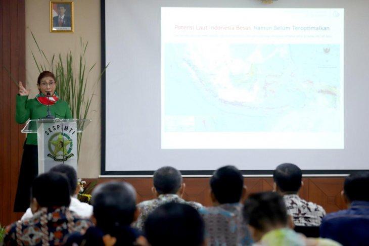 Police encouraged to probe into crimes in sea: Susi