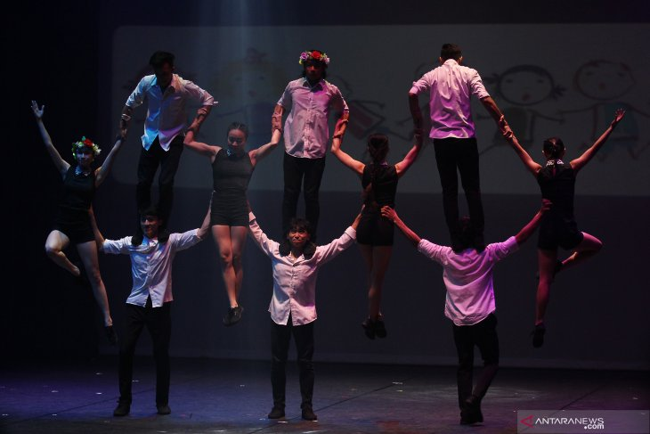 Pertunjukan sirkus The Heart of Asia