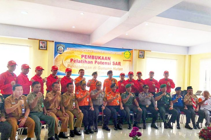 Basarnas Jambi gelar pelatihan SAR medan gunung