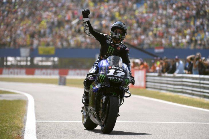 Pebalap Yamaha mengepung Marquez di FP2