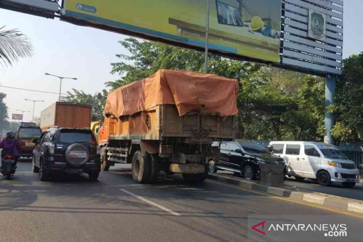 Bekasi layangkan surat ke DKI terkait tetesan air licit di jalan