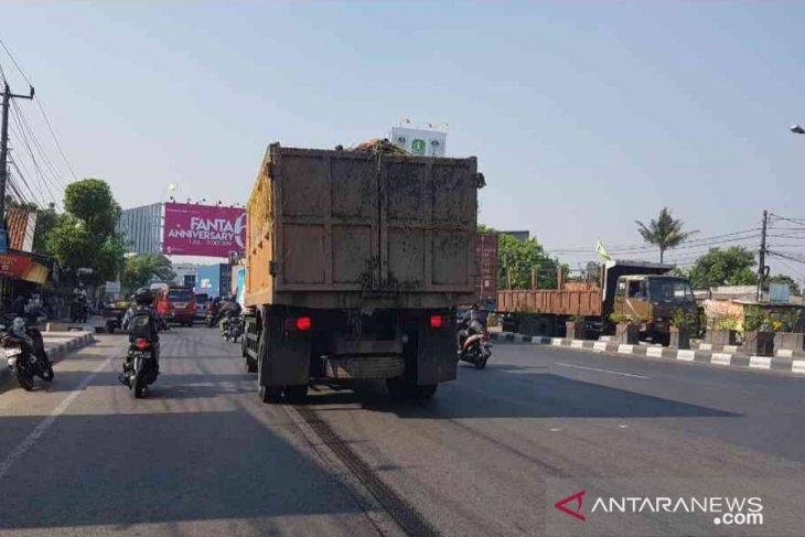 Keseriusan DKI soal tetesan air licit dari truk sampah dipertanyakan