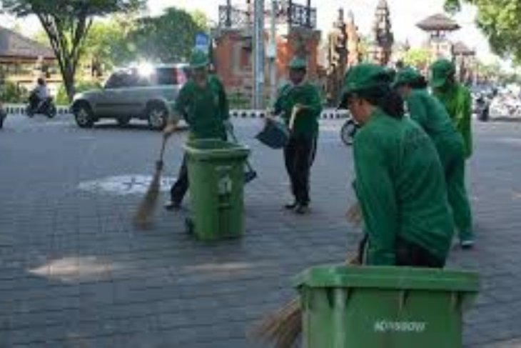Penggunaan kantong plastik di Kota Denpasar turun drastis