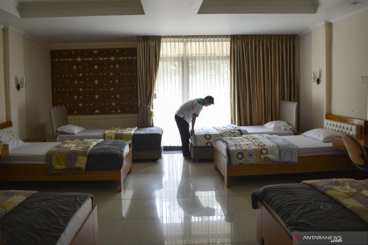 President approves utilizing Hajj dormitory to isolate returnees